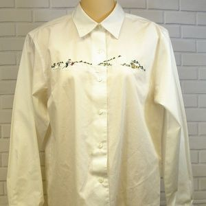 Foxcroft white Embroidered Winter Skiing Scene 6